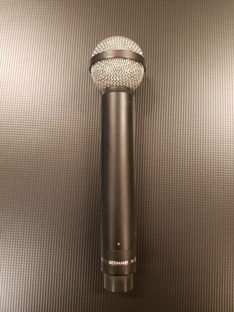 Beyerdynamic M160 ribbon mic